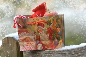 bolsa-de-regalo-con-motivos-navidenos